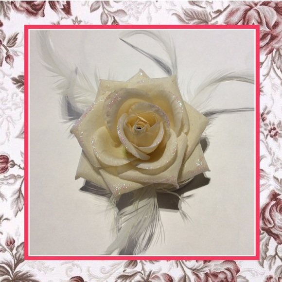 Unique styles hair flower accessories new off white hair flower m5acd428c3afbbd22198a502e mightylinksfo
